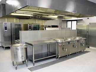 Tijdelijke keukens en restaurants De verhuur van tijdelijke keukens vereist specifieke kennis en ervaring. > lees verder